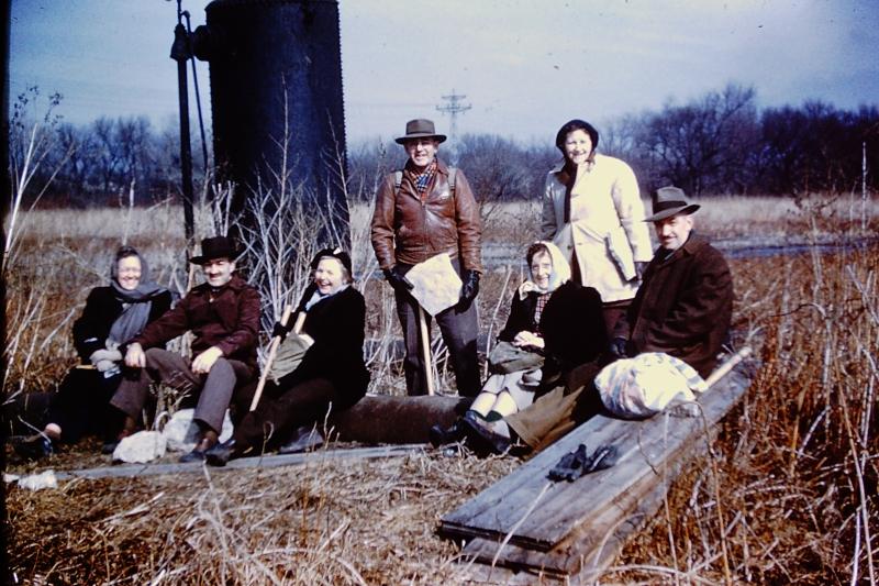 6_Lemont  IL Quarry  trilobites Allaways Farrs Witmers_1952