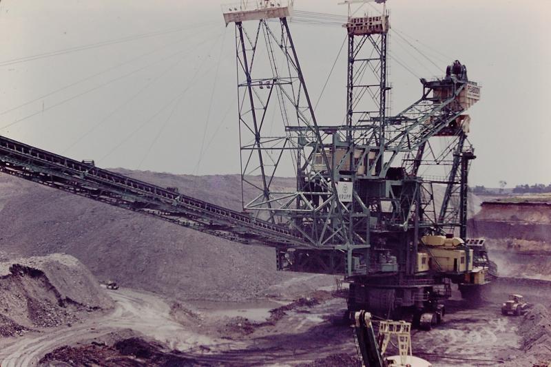2_Peabody Coal Co. stripping machine_Braidwood  IL_1966 (or 1960)